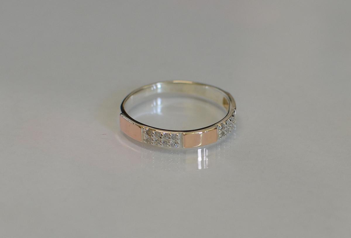 Срібна каблучка з пластинами із золота купити 5db9f68db0d92